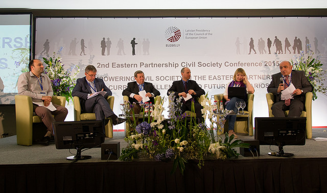 EaP CSF Steering Committee member Oleg Shatberashvili and EaP CSF  member Boris Navasardian speaking at the panel 'Report from Working Groups and from the 1 st Eastern Partnership Media Conference. Reflections on Recommendations for Decision Makers to the Riga Eastern Partnership Summit'